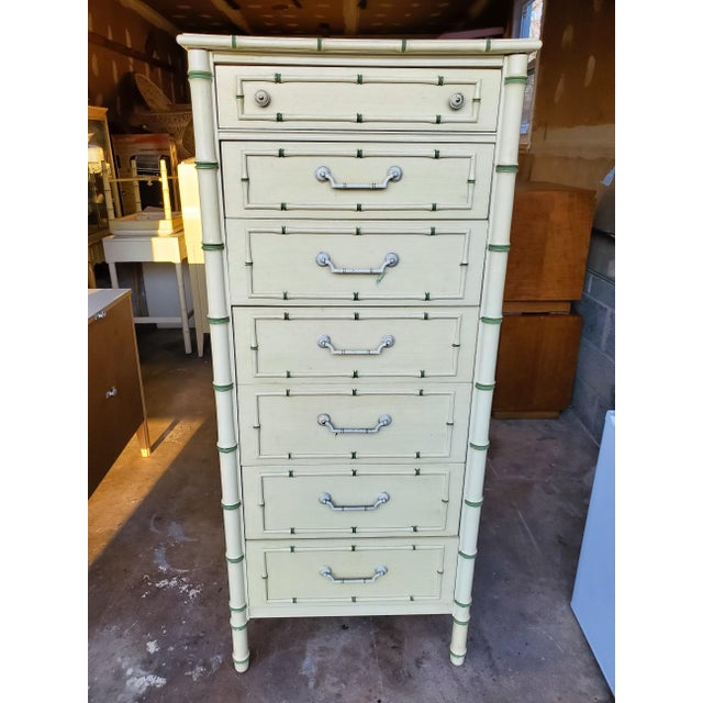 Vintage Thomasville faux bamboo lingerie chest. Green and off white design with original hardware. All drawers work nicely...