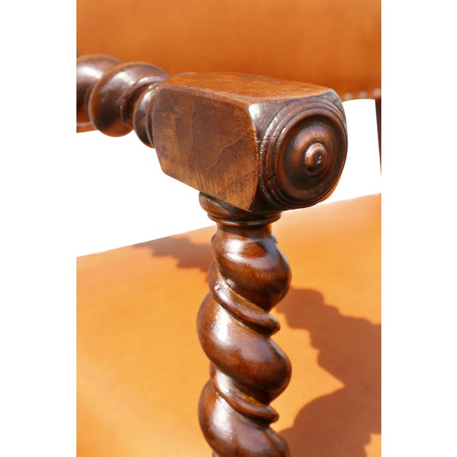Early 18th Century Pair of Italian Baroque Walnut Armchairs For Sale - Image 5 of 13