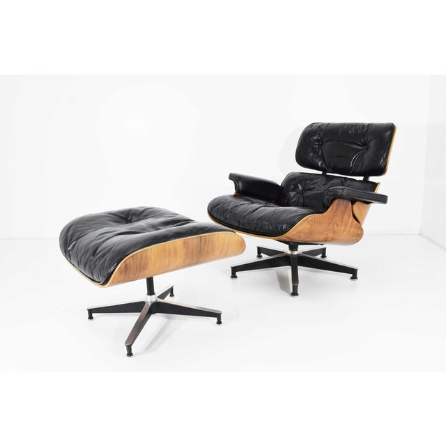 Mid-Century Modern Eames 670 Lounge Chair & 671 Ottoman in Rosewood by Herman Miller For Sale - Image 3 of 10