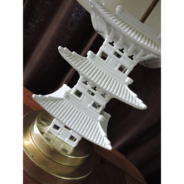 Asian Vintage Chinese Blanc De Chine White Pagoda Table Lamp For Sale - Image 3 of 6