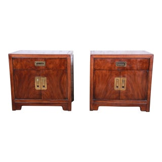 Drexel Heritage Hollywood Regency Campaign Style Burled Walnut Nightstands, Pair For Sale