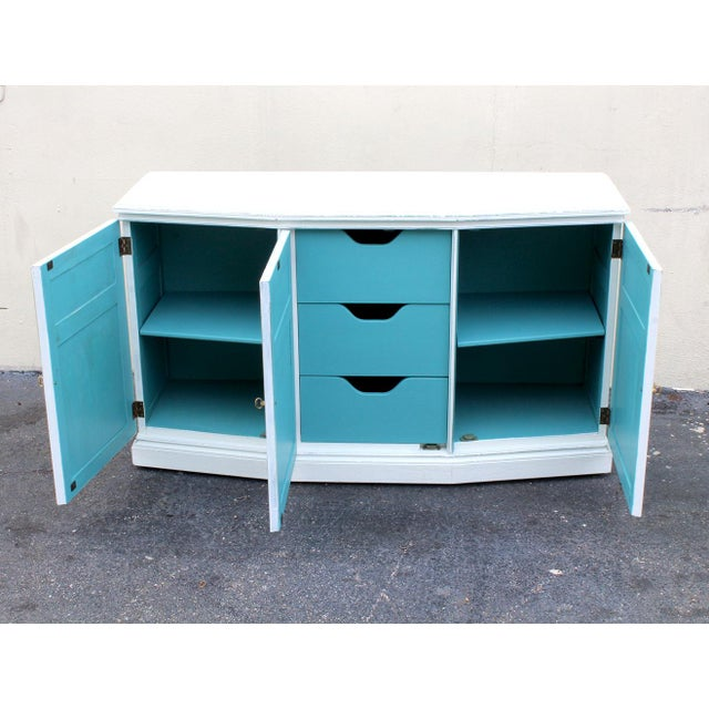 Henredon Mid-Century Neoclassical Style Cabinet For Sale In Miami - Image 6 of 11