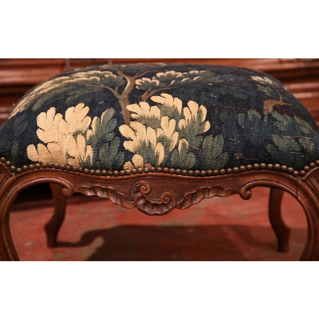 18th Century French Louis XV Walnut Square Stool With Aubusson Tapestry For Sale - Image 4 of 9