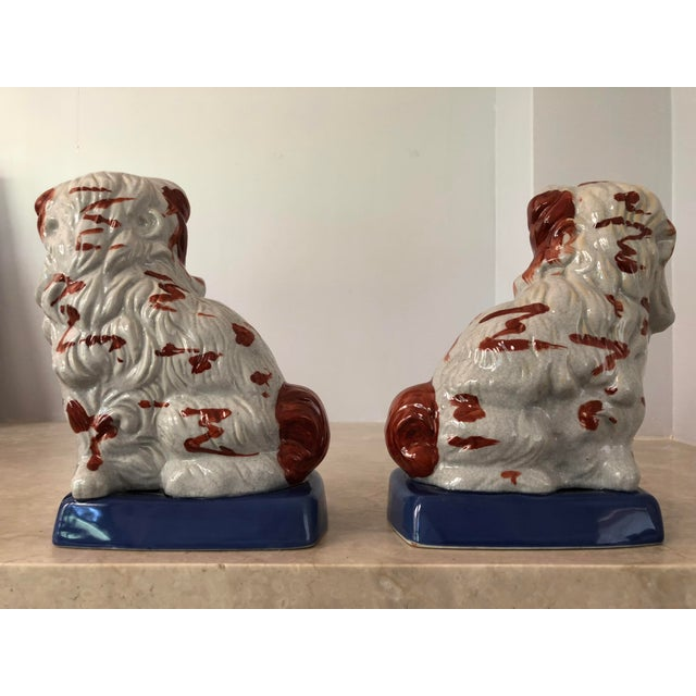 Early 20th Century Pair of Staffordshire Dogs For Sale - Image 5 of 7
