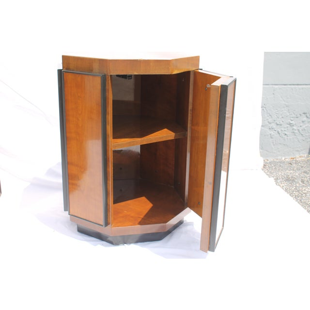 Henredon Mid-Century Nightstands or End Tables - A Pair - Image 8 of 11