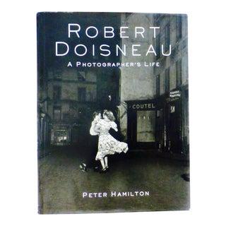 Robert Doisneau Photographs - A Pair