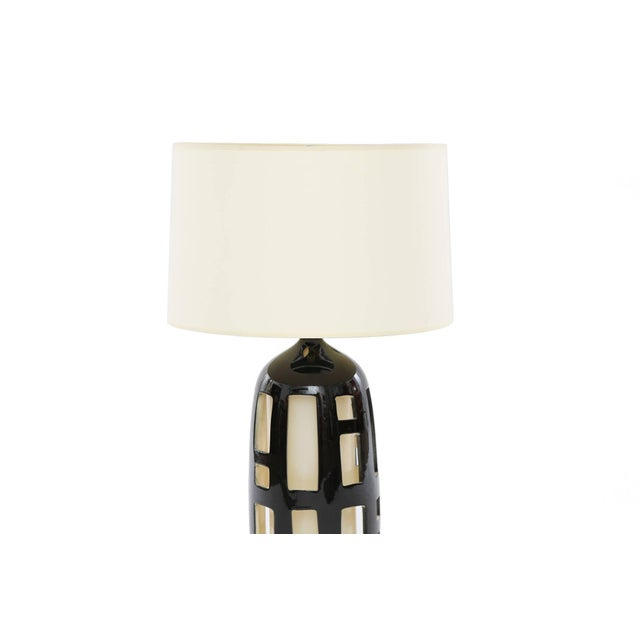 Mid-Century Modern Striking Pair of Cut-Out Ceramic Lamps For Sale - Image 3 of 5