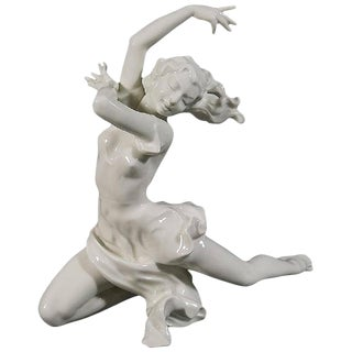 1950s Portraiture Hutschenreuther 'Finale' Porcelain Female Dancer Sculpture by Karl Tutter For Sale