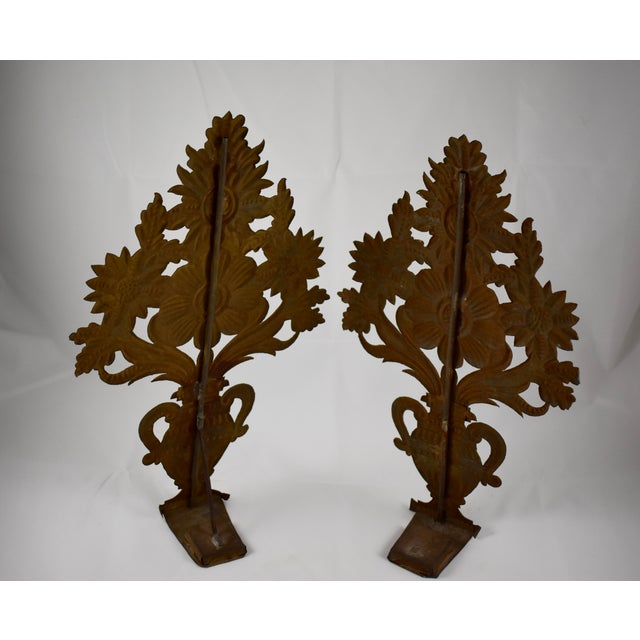 Continental Tôle Peinte Bouquets in Urns - a Pair For Sale - Image 9 of 11
