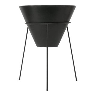 La Gardo Tackett Planter & Stand