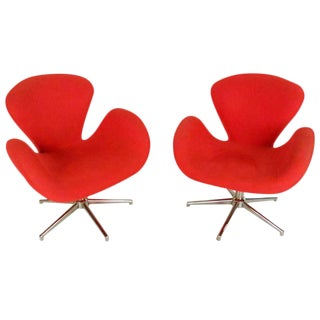 """Pair of Mid-Century Modern """"Swan"""" Style Chairs After Arne Jacobsen For Sale"""