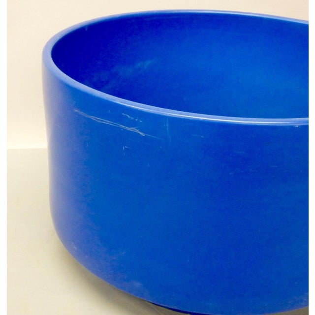 1960s Rare Large Size Blue Glaze Gainey California Planter Pot For Sale - Image 5 of 9