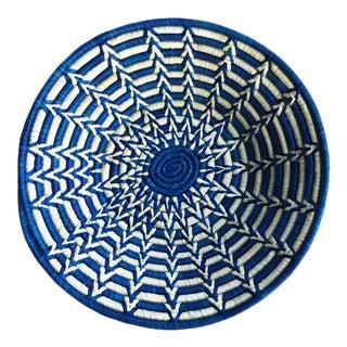 Uganda African Bukedo & Raffia Bowl - Blue & White For Sale