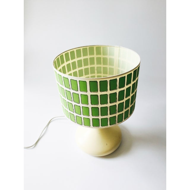 Mid Century Off White Table Lamp & Green Shade - Image 5 of 6