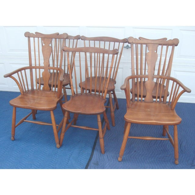 Beautiful, gorgeous, stunning Stickley 6 Windsor back chairs, 2 captain arm chairs and 4 sides, in excellent condition for...
