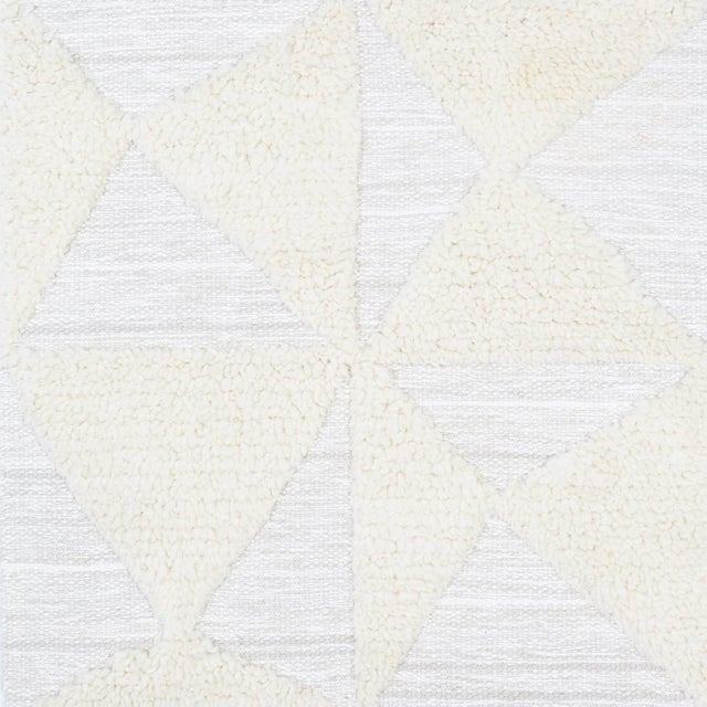 Rug pattern: Gerrits Dimensions: 6' x 9' Fiber content: Wool & Silk Construction: Hand-Woven Color way: Sand Dollar Hand...