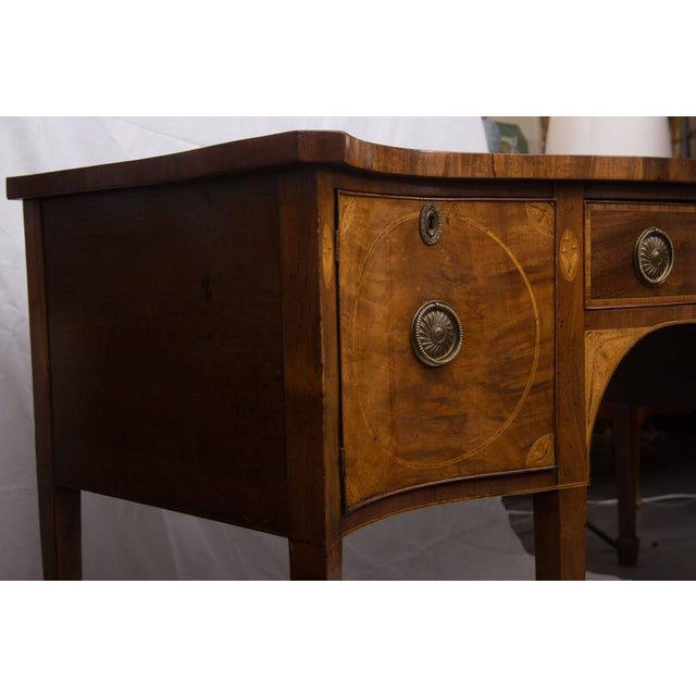 18th Century English George III Mahogany Inlaid Serpentine Sideboard For Sale - Image 4 of 9
