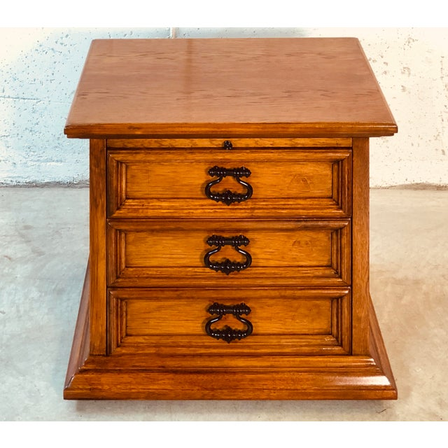 Mid-Century Modern 1970s Drexel Furniture Mahogany End Table For Sale - Image 3 of 10