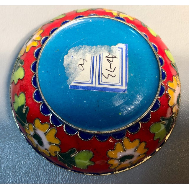 Asian 1960s Chinese Cloisonne Enameled Round Box For Sale - Image 3 of 6