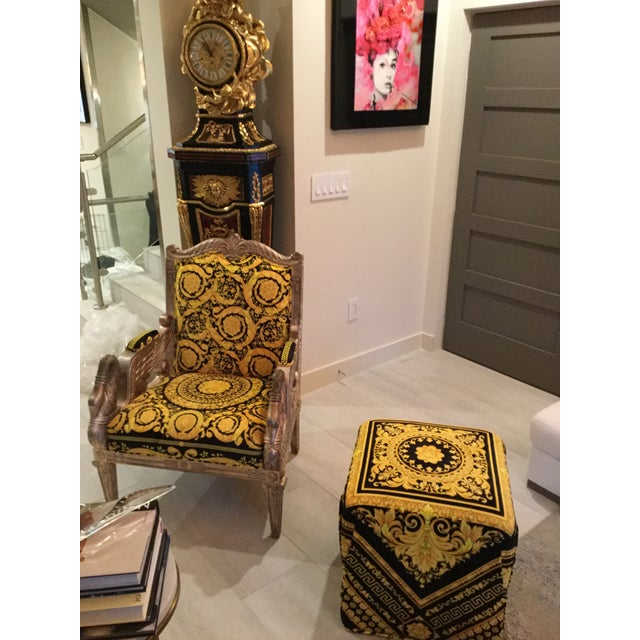 1960s Vintage Gianni Versace Black Gold Upholstery Throne Swan Chair For Sale - Image 10 of 13