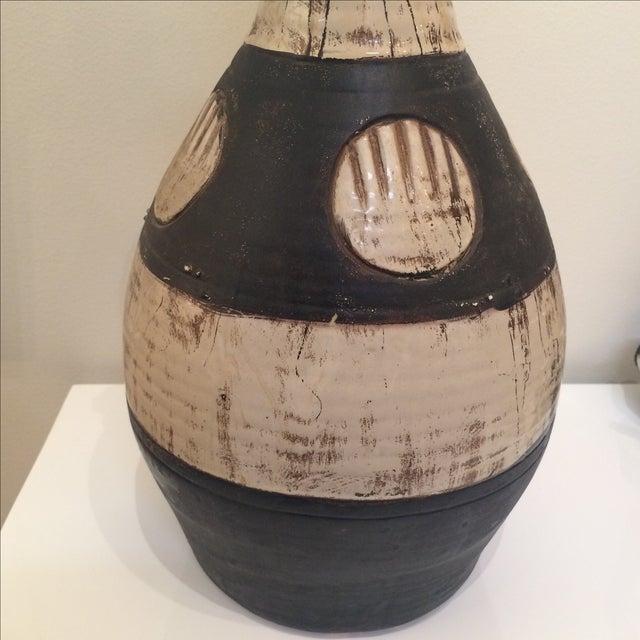 Mid Century Brown & Cream Ceramic Vase - Image 5 of 7