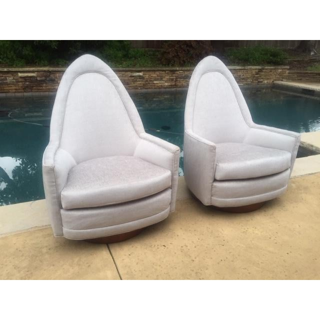 Mid-Century Modern A Pair of Vintage Sculptural Memory Swivel Chairs by Selig Imperial For Sale - Image 3 of 12