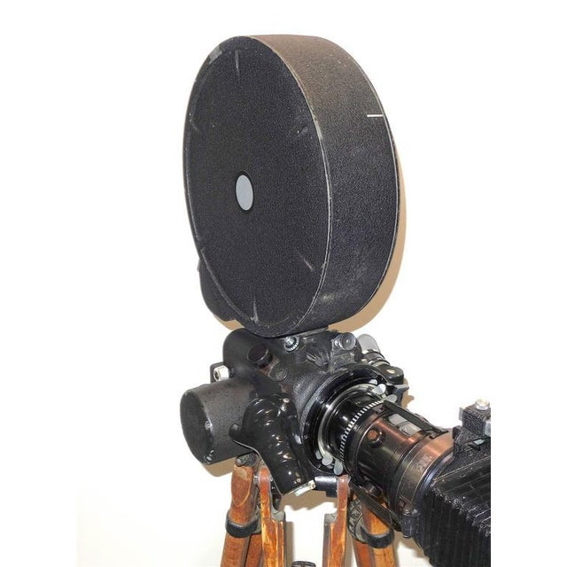 Rare Cinema Camera Circa 1960s. Arriflex 16BL Complete. Display As Sculpture. For Sale - Image 4 of 8