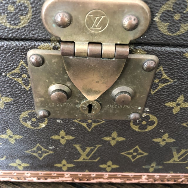 French 1980s French Louis Vuitton Canvas and Leather Train Case For Sale - Image 3 of 12
