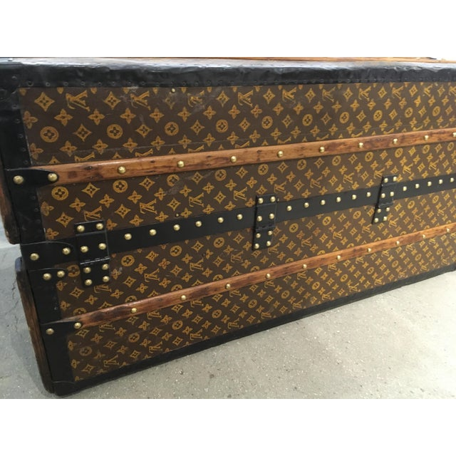 Traditional Louis Vuitton Wardrobe Trunk For Sale - Image 3 of 9