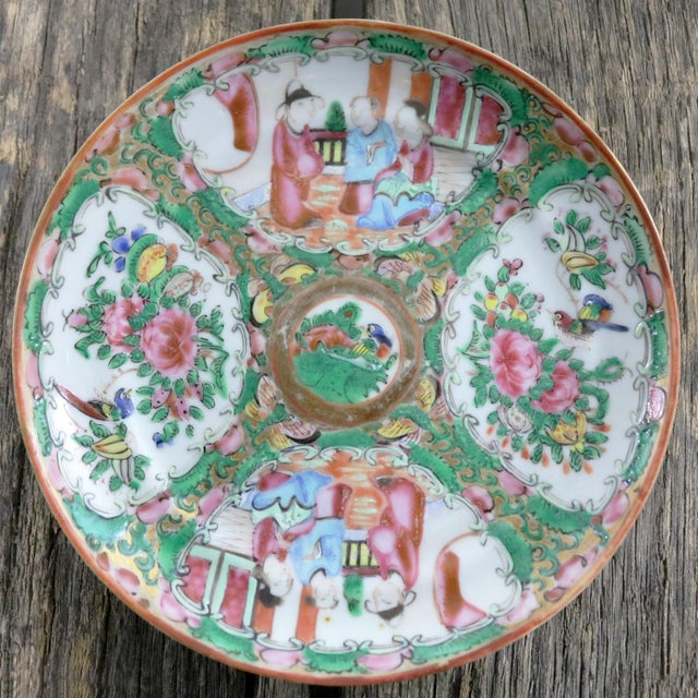 Mid 19th Century Antique Chinese Qing Rose Medallion Porcelain 6-Inch Cupped Plates Set of 8 For Sale - Image 5 of 13