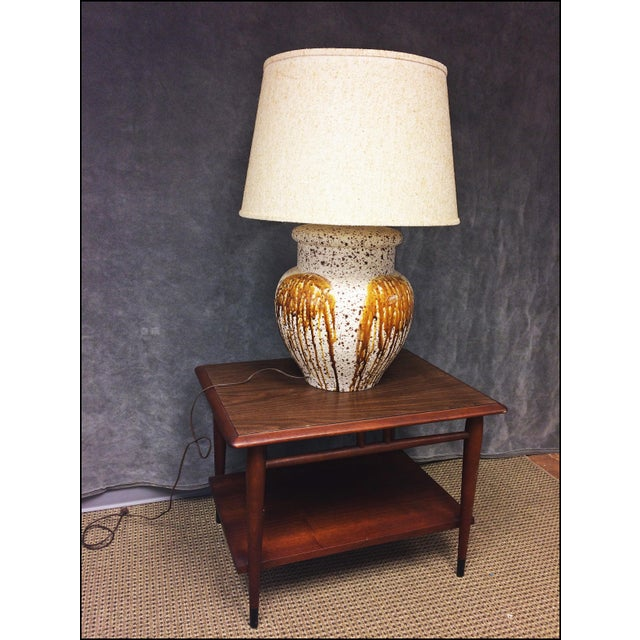 Mid-Century Modern Art Pottery Table Lamp - Image 5 of 11