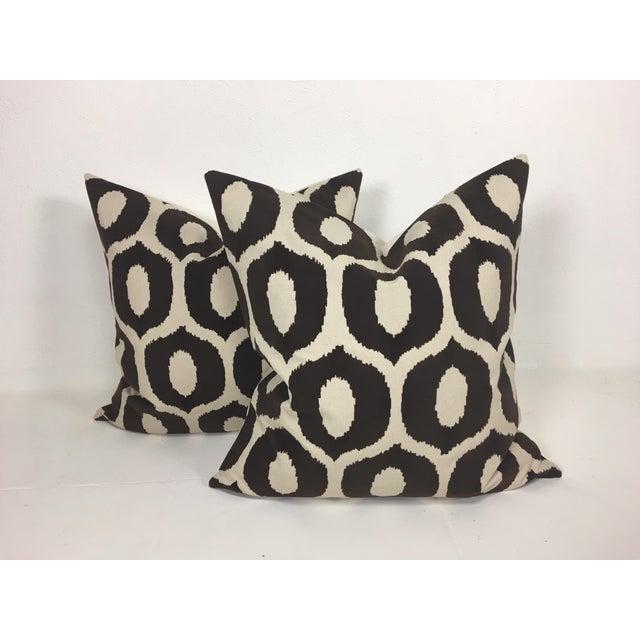 Embossed Velvet Pillows – a Pair For Sale In Philadelphia - Image 6 of 6