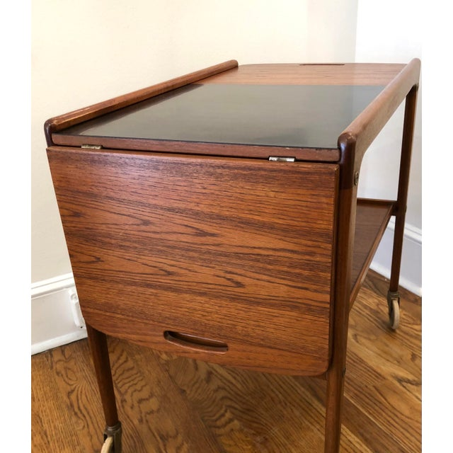 1960's Mid-Century Modern Wooden Bar Cart For Sale In New York - Image 6 of 9
