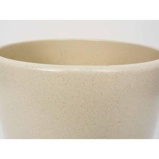 Gainey Pottery Gainey Ceramics AC-12 Off-White Planter For Sale - Image 4 of 7