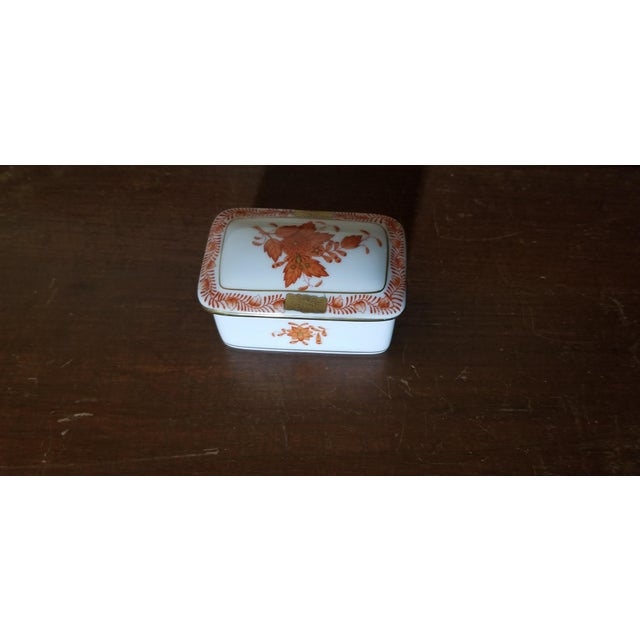 1970s Herend Chinese Bouquet Trinket Box For Sale - Image 5 of 6