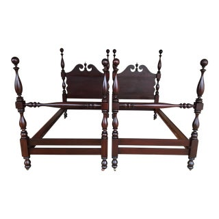 Antique Mahogany Chippendale Style Cannonball Poster Beds - a Pair For Sale