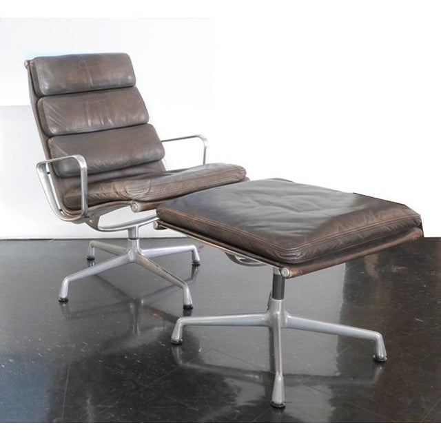 Brown Eames Aluminum Group Lounge Chair & Ottoman For Sale - Image 8 of 8