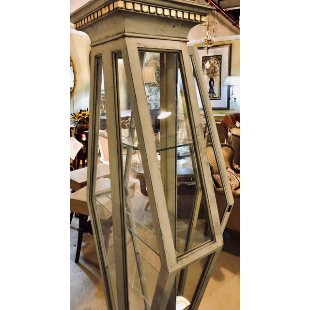 Mid-Century Modern Parcel-Gilt and Paint Decorated Pyramid Shaped Vitrine For Sale - Image 10 of 11