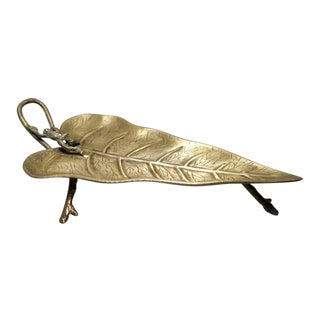 Early 20th Century Antique Calla Lily Leaf With Frog Brass Tray For Sale