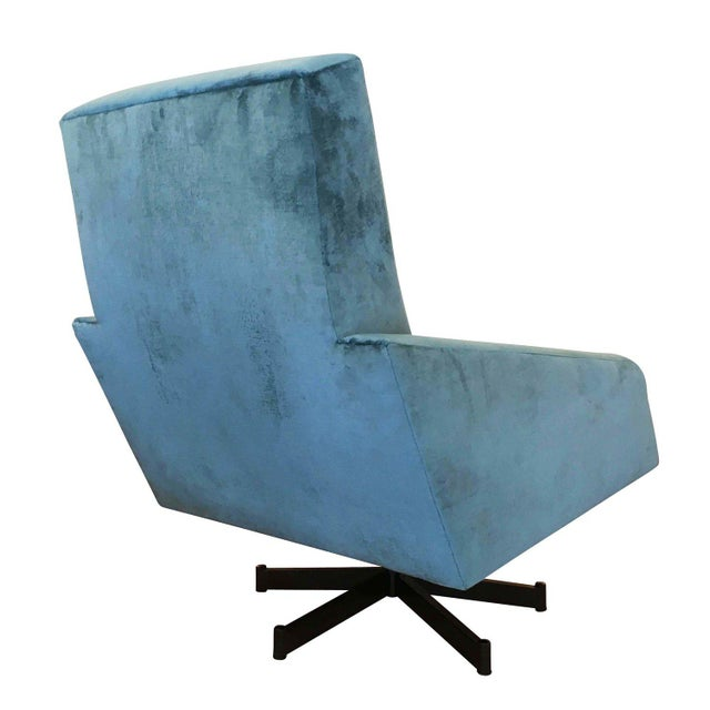 1960s Pair of Italian Mid-Century Swivel Lounge Chairs For Sale - Image 5 of 5