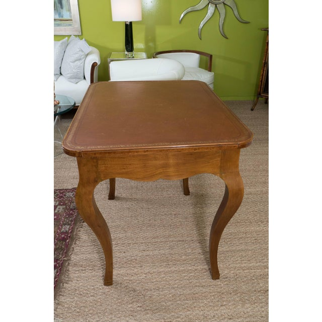 Brown French Louis XV Style Writing Table For Sale - Image 8 of 11