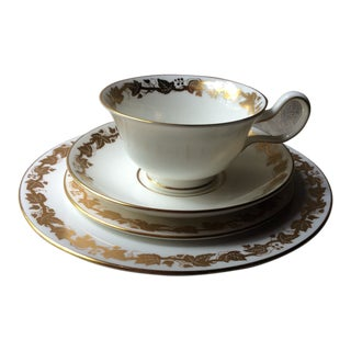 Wedgewood Whitehall Pattern Place Setting - 4 Pieces For Sale