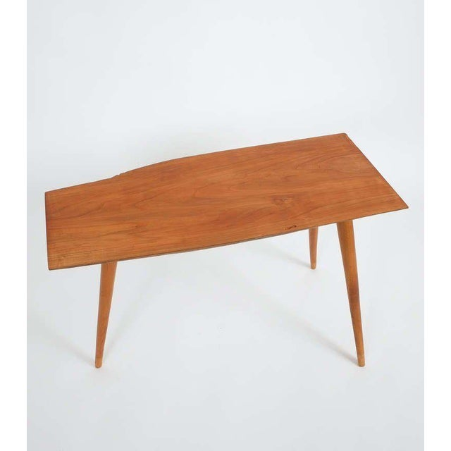 Walnut Wood End Table in the Style of George Nakashima, 1950 For Sale - Image 6 of 9
