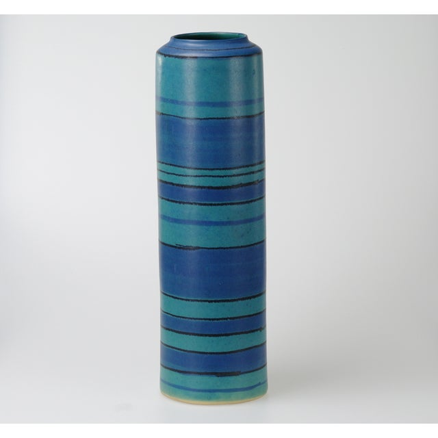 Glidden Gulfstream Vase by Fong Chow - Image 2 of 7