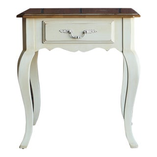 20th Century French Country Ethan Allen End Table For Sale