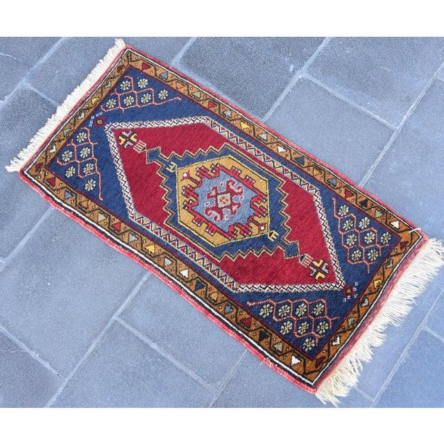 Textile Vintage Turkish Handmade Rug - 1′7″ × 3′2″ For Sale - Image 7 of 7
