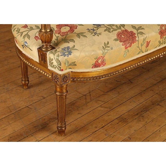 French Gilt Wood Louis XVI Style Settee & Arm Chairs - Set of 5 For Sale In Philadelphia - Image 6 of 13