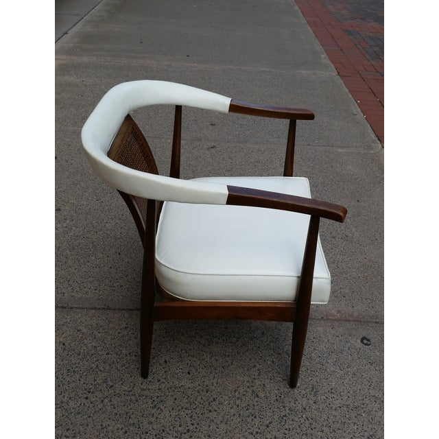 American of Martinsville Mid-Century Ming Arm Chair For Sale In New York - Image 6 of 10