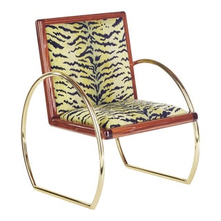 Customizable D-Ring Lounge Chair