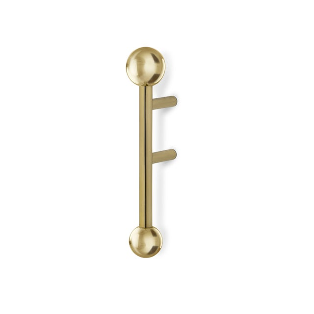 DESCRIPTION Quantum is inspired in the atomic age design, a polished brass series of door pulls, small and mid size, are...